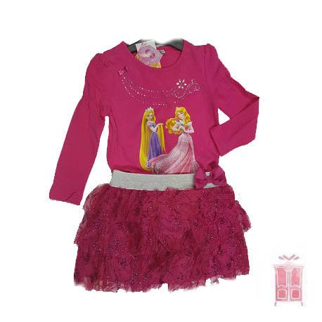 Conjunto de camiseta y falda rosa
